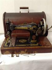 Singer Hand crank Table top Sewing Machine Model 128. Serial# G6467360. (SM-105)