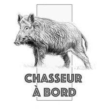 Autocollant chasseur à Bord sanglier logo1 sticker 8 cm