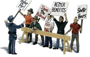 Woodland Scenics N Scale Scenic Accents Figures/People Set Picket Line