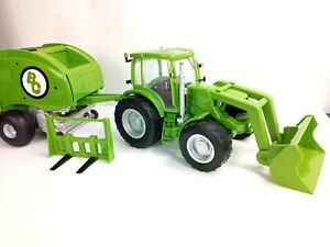 Big Country 1/20 Scale Tractor and Round Hay Baler