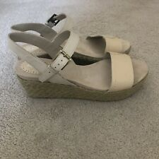 Clarks Cream Platform Sandals - Size 6.5