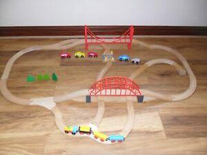 LARGE WOODEN TRAIN SET (Brio Style,Thomas Compatible,Bridges,Railway track)