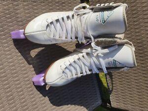 Glacier jackson  Ice Skates, size 5,  white