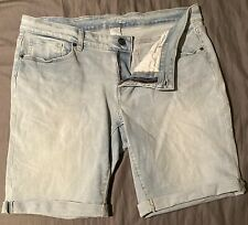 Time and Tru Light Cuffed Kneelength Blue Jeans Bermuda Shorts Size 18