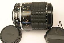 Nikon Micro Nikkor 105mm F2.8 AIS de ajuste.