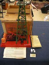 LIONEL 455 OIL DERRICK COMPLETE WITH SIGN, 4 BARRELS, INSTRUCTIONS, & OB/INSERT