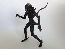 2004 McFarlane Alien and Predator 1979 Xenomorph Alien Figure
