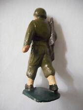 1 fantassin marchant au pas GI USA soldat de plomb ancien guerre 39-45 américain