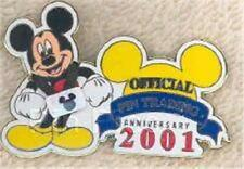 MICKEY MOUSE WEARS 3D LANYARD Official PIN TRADING 2001 LE 5000 Disney PIN