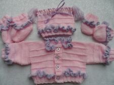 Bébé ou reborn volants & dentelle veste & hat set Knitting Pattern