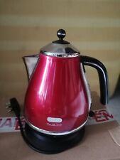 Delonghi red kettle