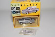 * VANGUARDS VA44000 AUSTIN A60 CAMBRIDGE GREY WHITE MINT BOXED