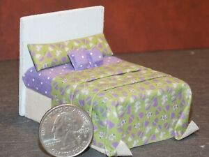 Dollhouse Miniature Bed Easter Eggs 1:24 Half inch scale 1/2 D15 Dollys Gallery