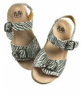new girls PePe On Safari Buckle Sandals made in Italy leather 26 us 9.5  shoes