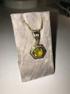9ct Yellow Gold Tourmaline clip on pendant loupe, suitable for a chain