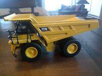 CAT 777D 1:50 Scale Diecast Off-Highway Dump Truck Caterpillar Norscot