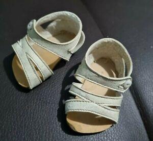 chaussures anciennes pour bébé poupée jumeau