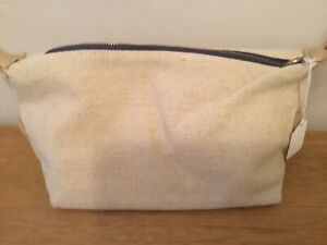 Liz Earle cream canvas lined toiletry make up bag New