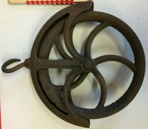 Vintage Cast Iron Well Pulley - O2