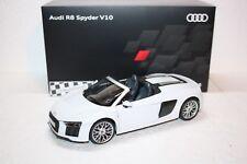 Audi R8 V10 Spyder NUEVO iscale 1:18