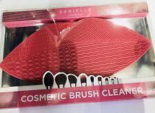 Danielle Lip Shape Cosmetic Brush Cleaner