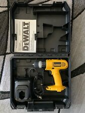 ***DEWALT Cordless Drill DW928 With Battery Charger & Carrying Case TESTED***