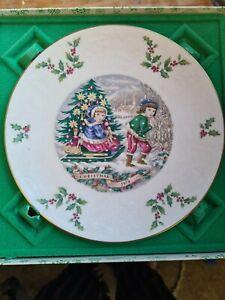 Royal Doulton Christmas 1979 Plate - Boxed