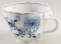 NEW Authentic MEISSEN Blue Onion Scalloped Tea Cup Sword Marked BEAUTIFUL!