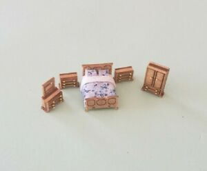 """Dollhouse Miniature 1:144 Scale  """"ASSEMBLED"""" Traditional bedroom Furniture Set"""