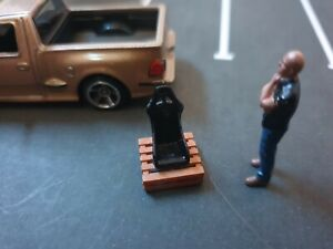 1/64 Scale Resin Pallet With Bucket Seat Hot Wheels Matchbox Diorama