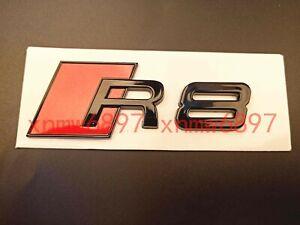 Insignia Quattro color rojo y negro. Emblema Quattro deportivo para radiador