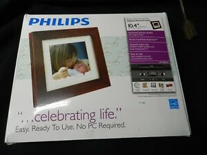 "Philips Digital Photoframe 10.4"" LCD Panel Brown Wood Frame SPF3400 G7 1GB SD"