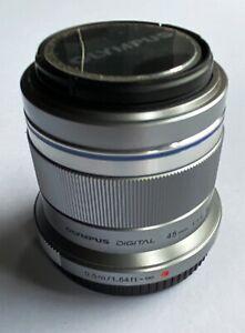 Olympus OM-D 45mm 1.8 M4/3 - Silver