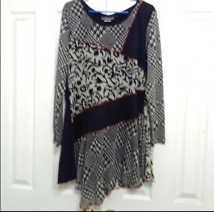 The Pyramid Collection 1X Paisley Houndstooth Knit Patchwork Tunic Top