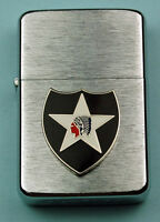 2nd INFANTRY DIVISION WIND PROOF PREMIUM LIGHTER IN A GIFT BOX  ARMY   LBC011