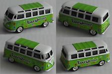 "Johnny Lightning – VW Bus T1 Samba grün/weiß ""Road Warrior"""
