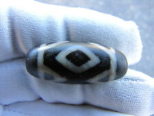 "ESTATE  OLD TIBETAN  "" 3 DRAGON EYES, TIGER TEETH  "" AMULET DZI BEAD."