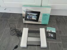 BNIB 7 INCH sandstrom digital photo frame- has instructions+cable