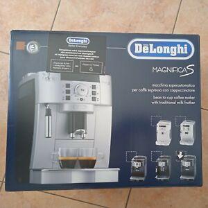 Machine a cafe delonghi magnifica s ECAM22.140.B expresso broyeur neuf