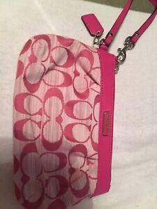 coach clutch bag