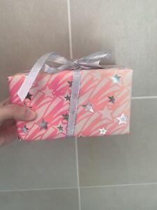 Lush Little snow Fairy Bath Bomb And Shower Gel Gift Set