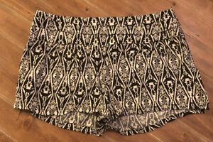 "Charlotte Russe Shorts ~ Size Medium ~ 29"" Waist ~ Black & White"