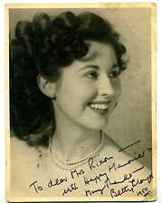VINTAGE ORIGINAL AUTOGRAPH BETTY LLOYD SINGER SIGNED B&W PHOTO