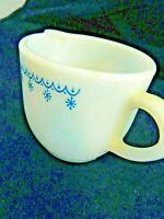 PYREX CORNING WARE BLUE SNOWFLAKE CREAMER #722,NO CHIPS OR CRACKS VINTAGE