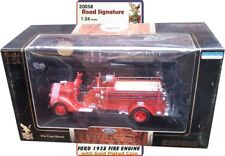 Ford 1938 Fire Engine w/ Gold Medallion Diecast 1:24th Yat Ming Road Signature