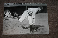 NEW YORK YANKEE GREAT WADE HOYTE 1927 WARMS UP AT STADIUM PITCHES 22 WINS