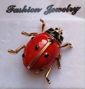 SMALL LADY BUG BROOCH PIN Red Enamel / Gold-tone Alloy