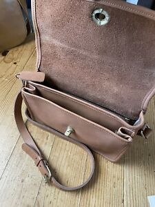 Vintage Coach Tan Crossbody Gusset Pocket Bag USA
