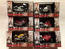 Ducati Motorrad Modelle * Set  6 verschiedene * New Ray 1:32  ( ca. 6 cm )