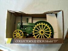 "John Deere 1953 Model ""D"" Diecast Tractor ( In Older Box ) 1/16 Scale 00006000"
